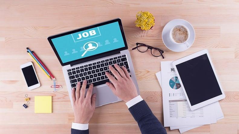 Pourquoi les offres d'emploi rédigées du point de vue du candidat donnent de meilleurs résultats